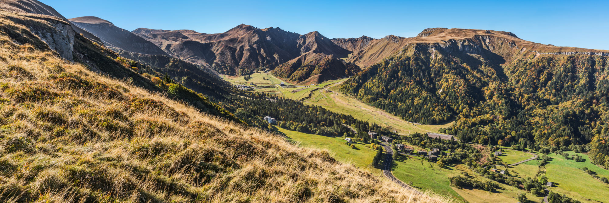 1-15232-france-puy-de-dome-le-sancy-vu-du-plateau-de-durbise-panorama-sentucq-h