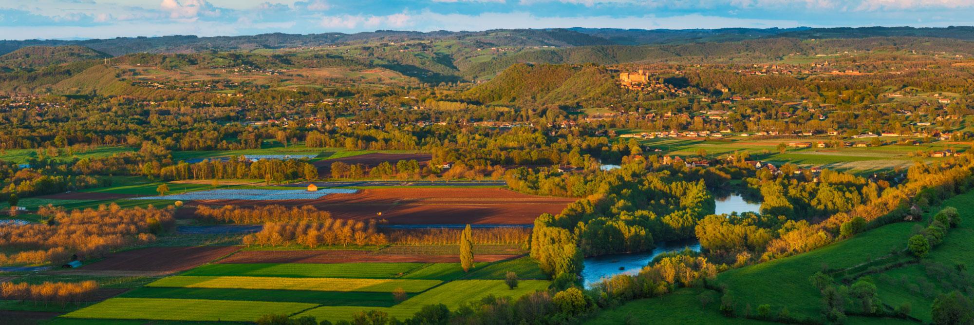 7-14812-france-lot-la-dordogne-vers-gintrac-des-ruines-du-chateau-de-taillefer-panorama-sentucq-h